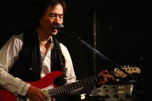 IMG_3618s(shigeru_suzuki & Varita guitar)
